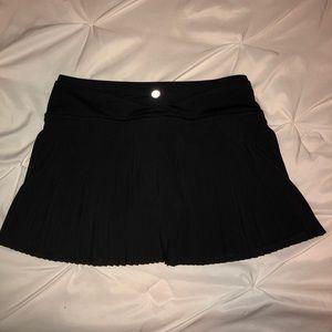 Lululemon Athletic Black Skirt Size 4